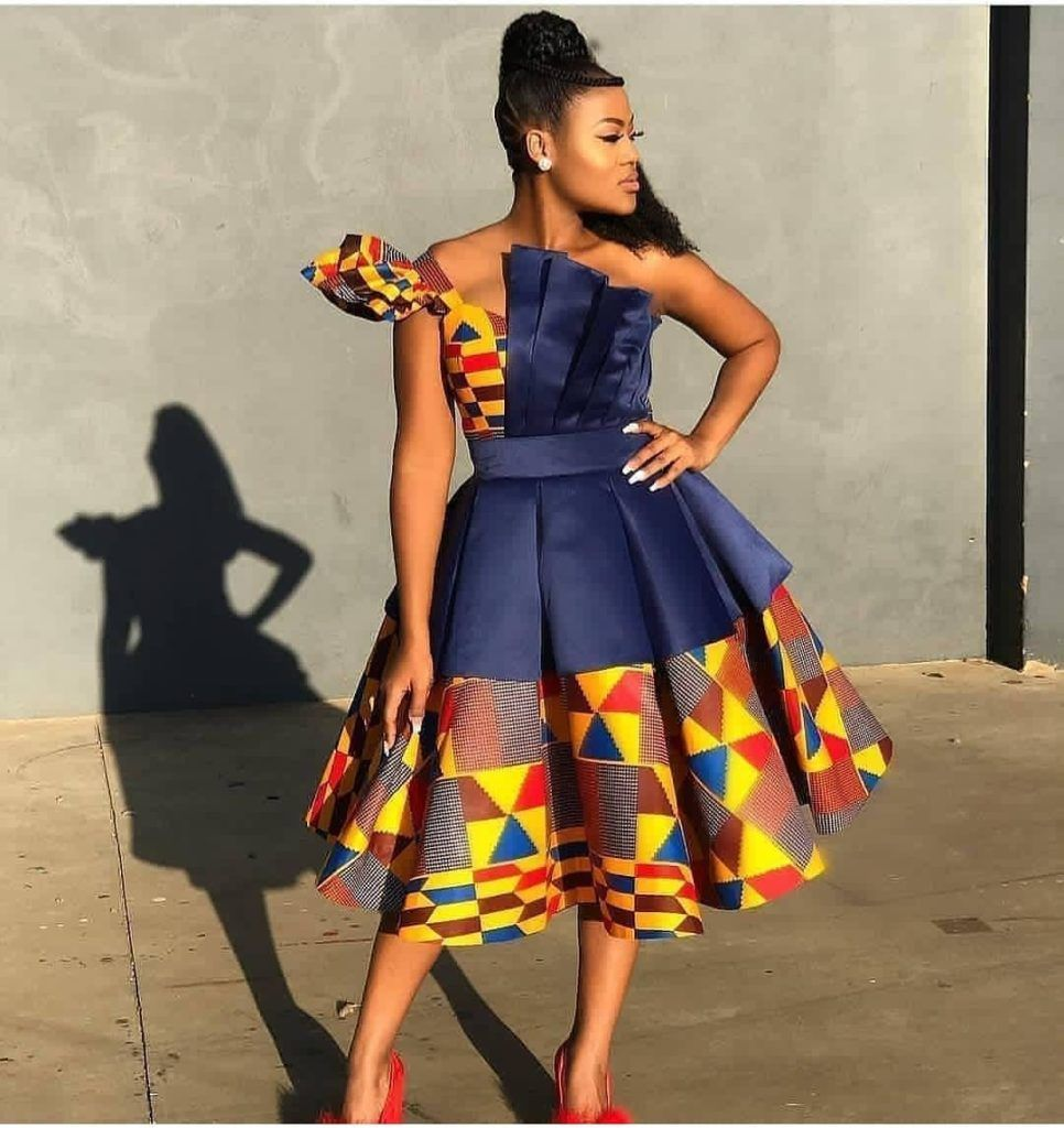 fashion #fashionstyles #ankaraandplainmaterial #ankaracombo #modernstyles  #fas… | African dresses for women, Latest african fashion dresses, African  fashion modern