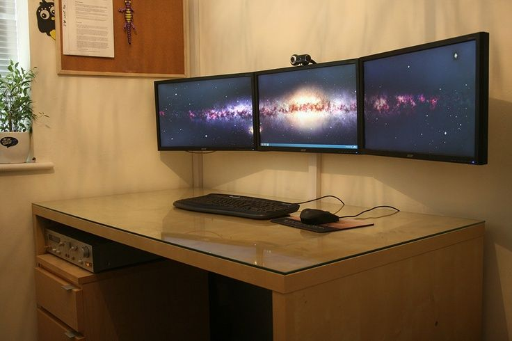 Super Clean Love The Wall Mounted Triple Monitors Gaming Room Setup Tiny House Desk Office Setup
