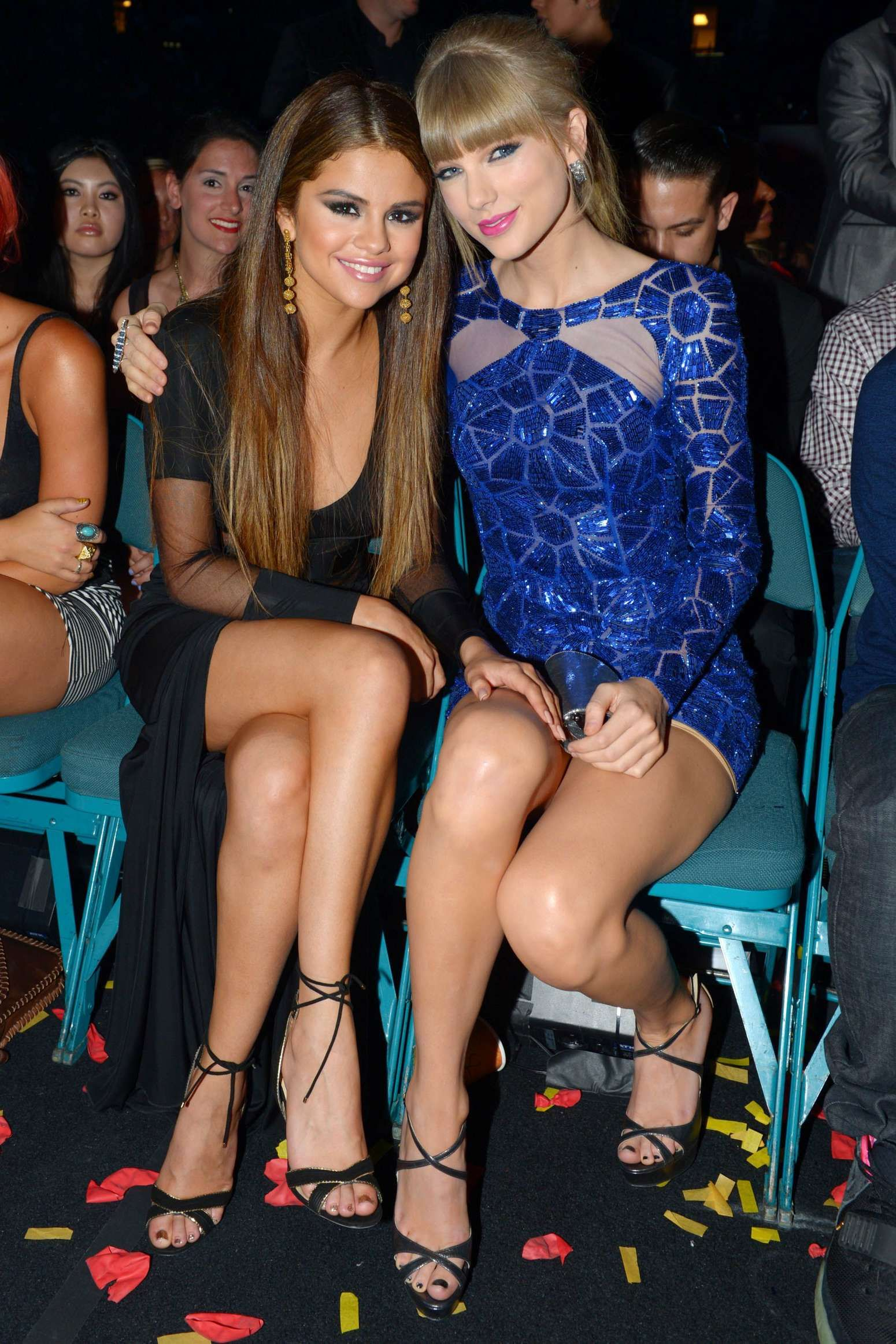 Pin On Taylor Swift And Selena Gomez