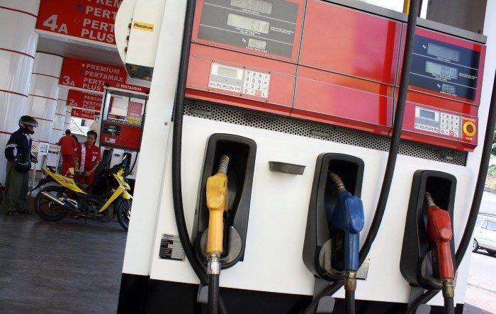 Pemerintah: Harga BBM Oktober-Desember Tetap : Pemerintah memutuskan harga bahan bakar minyak (BBM) periode Oktober-Desember 2015 tetap sama seperti sebelumnya.
