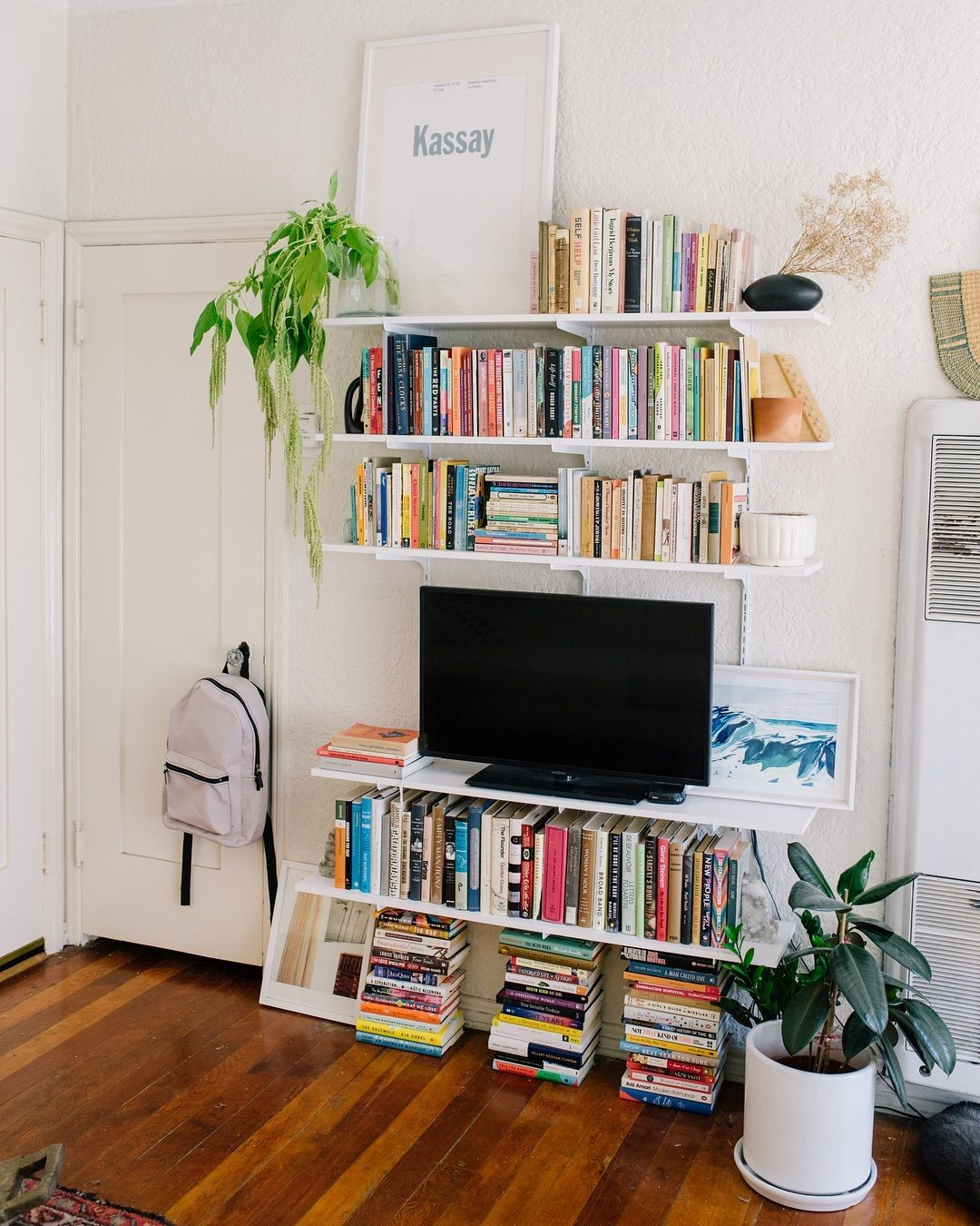 Domino On Instagram This 500 Square Foot La Apartment Has Mastered The Art Of Storage As Display A Prime Example This Smart Shelving Unit Tap The Link In
