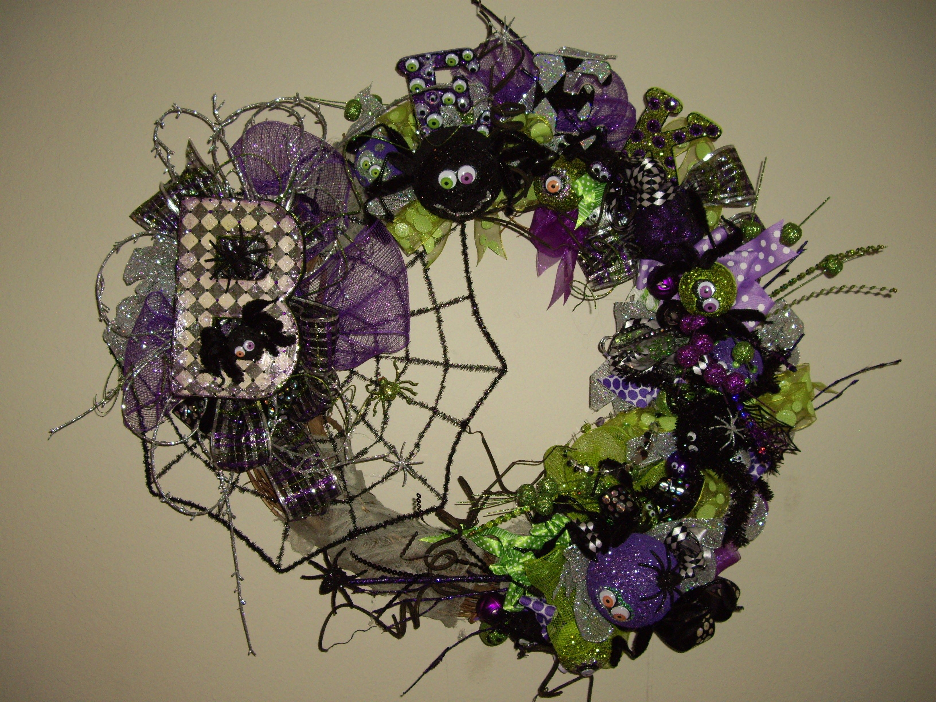 Items Similar To Large Whimisical Eek Spiders Halloween Wreath With