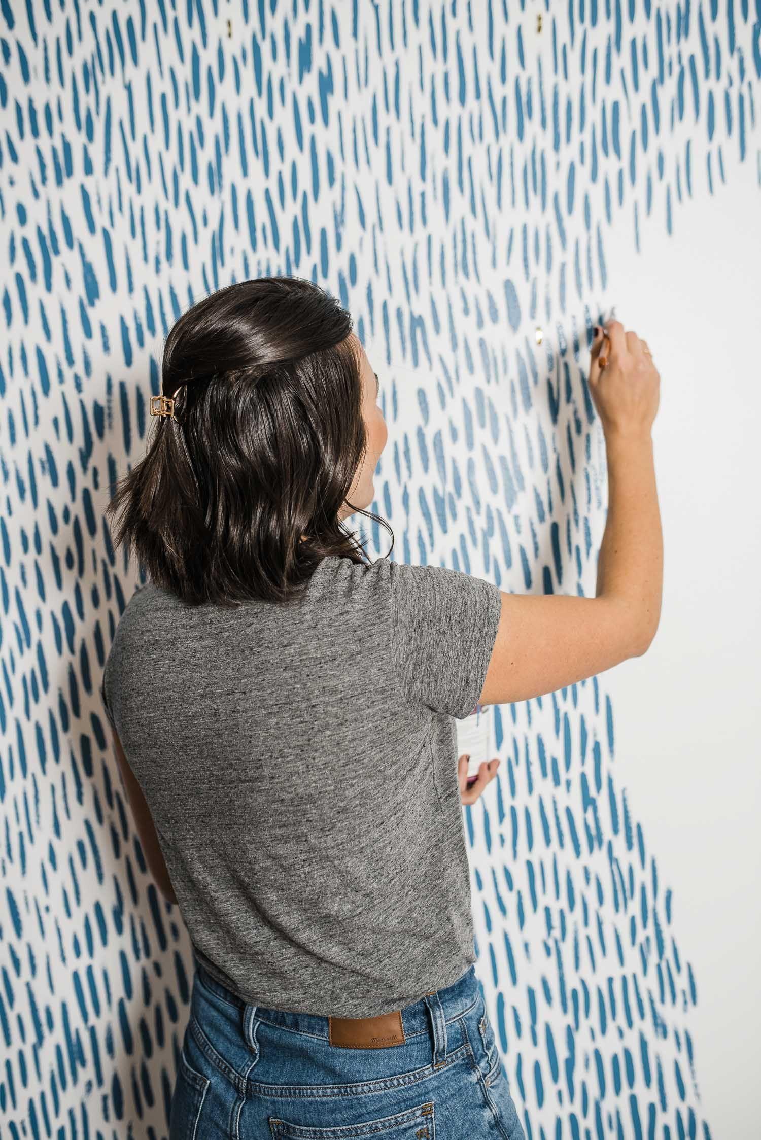 Diy brushstroke accent wall tutorial diy wall painting