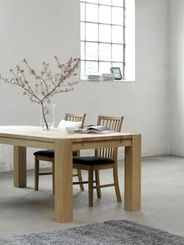 Boxes for moving, Oak table and Inredning on Pinterest