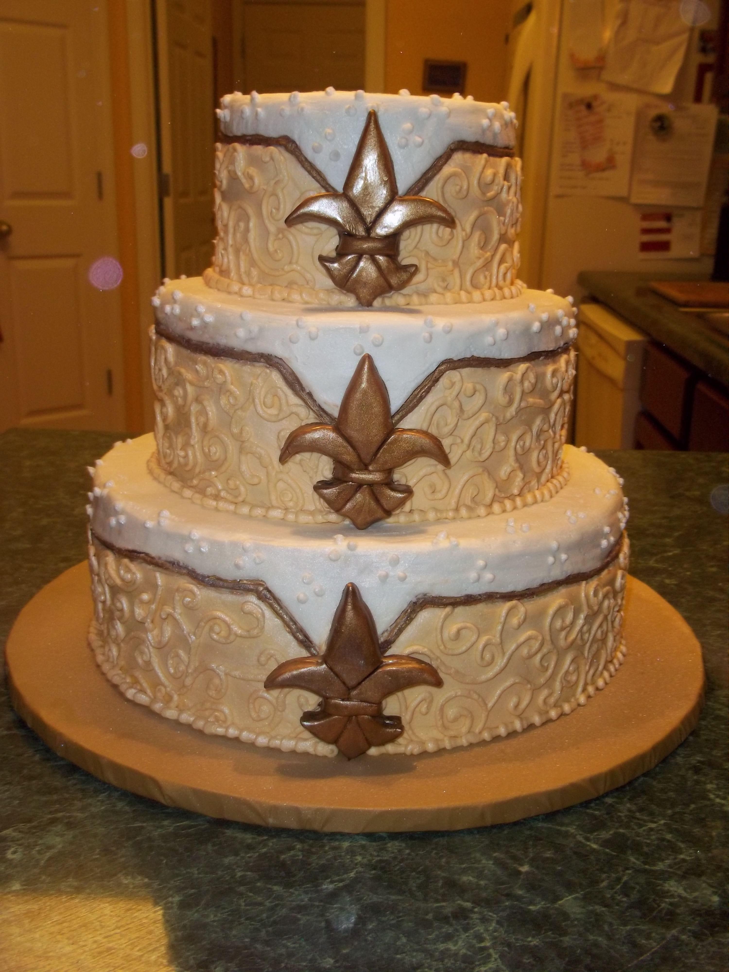 Wedding Cake New Orleans Inspired Fleur De Lis Weddingcake