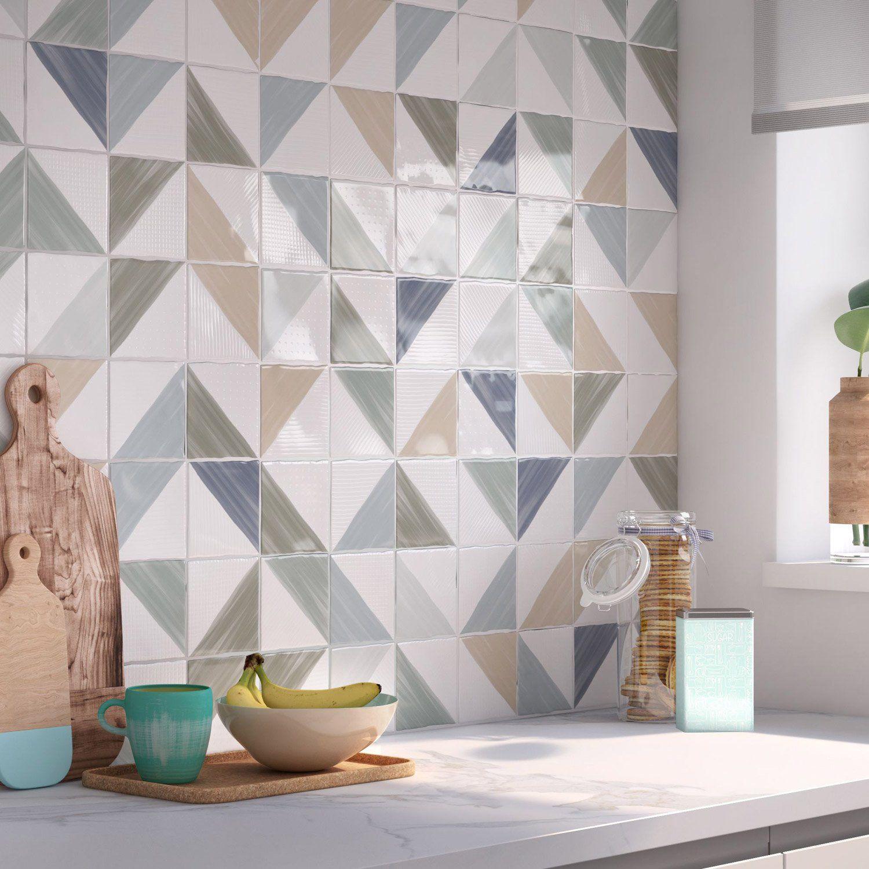 Faience Mur Blanc Et Mix Couleurs Decor Aquarelle L 10 X L 10 Cm Leroy Merlin Carrelage Mural Carrelage Credence Cuisine