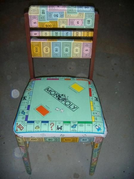 Cute for the game room! We could find old games and chairs