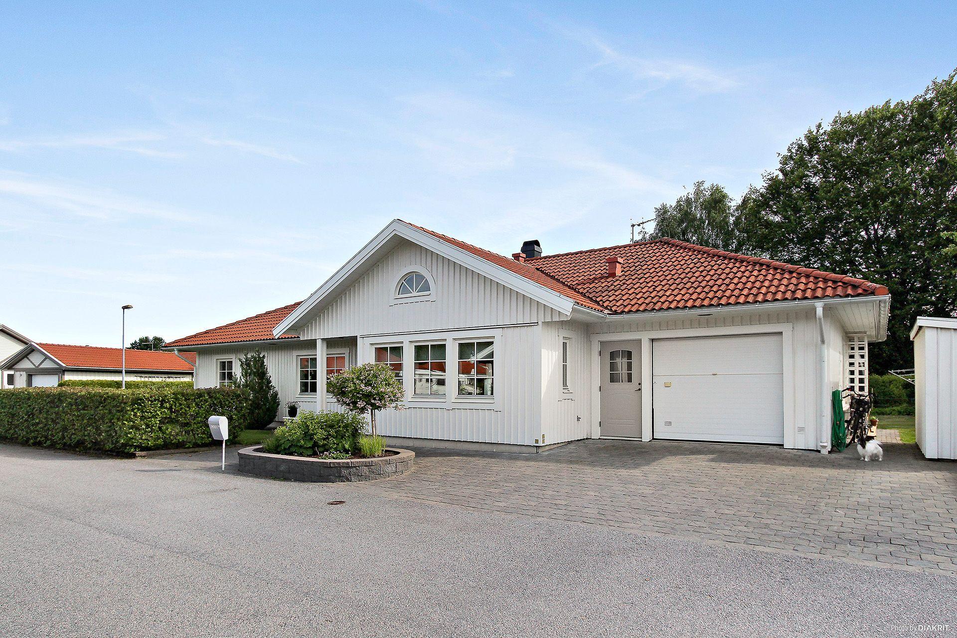 hus till salu lidköping
