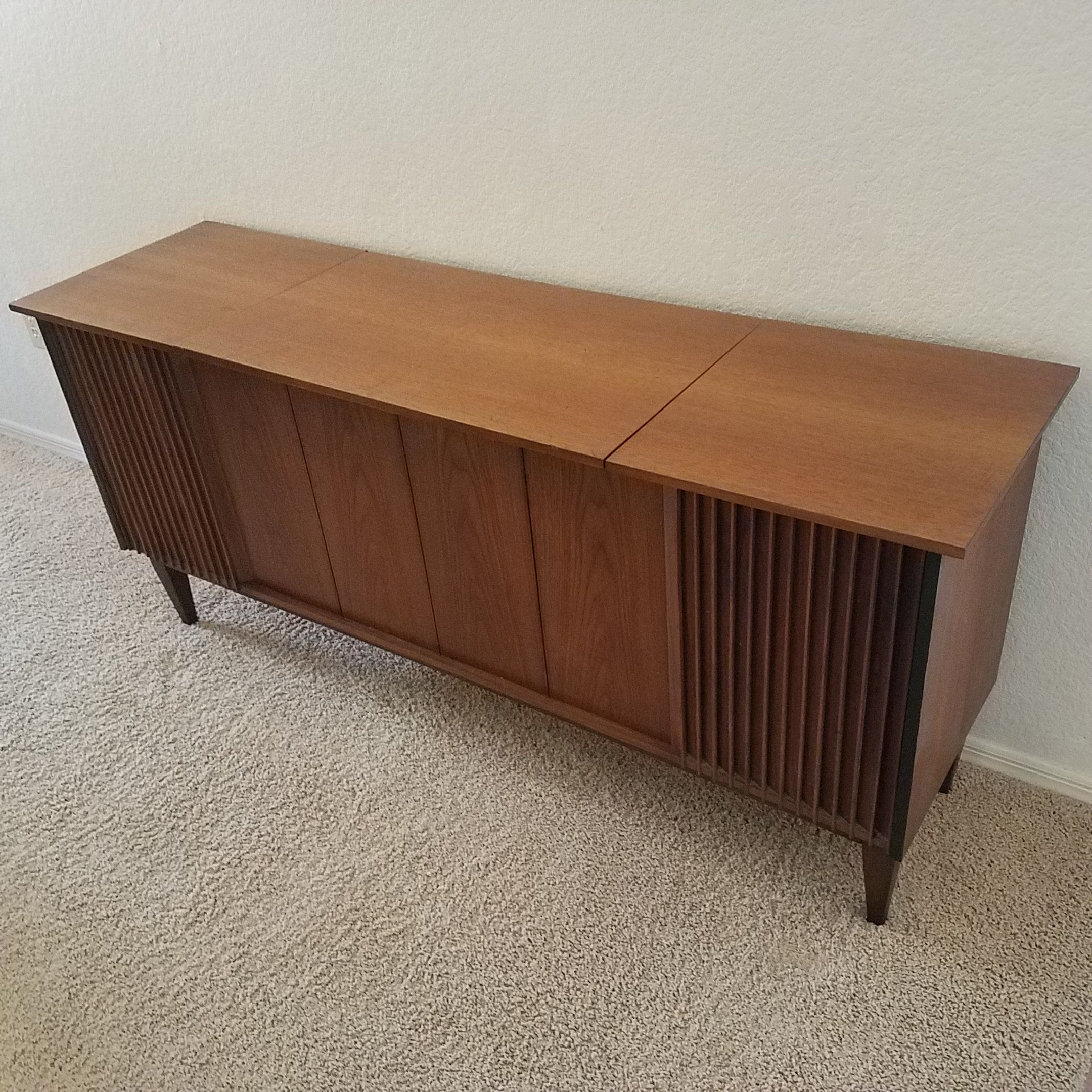 1960's vintage Calirtone stereo cabinet. | Ernie's Mid Century ...