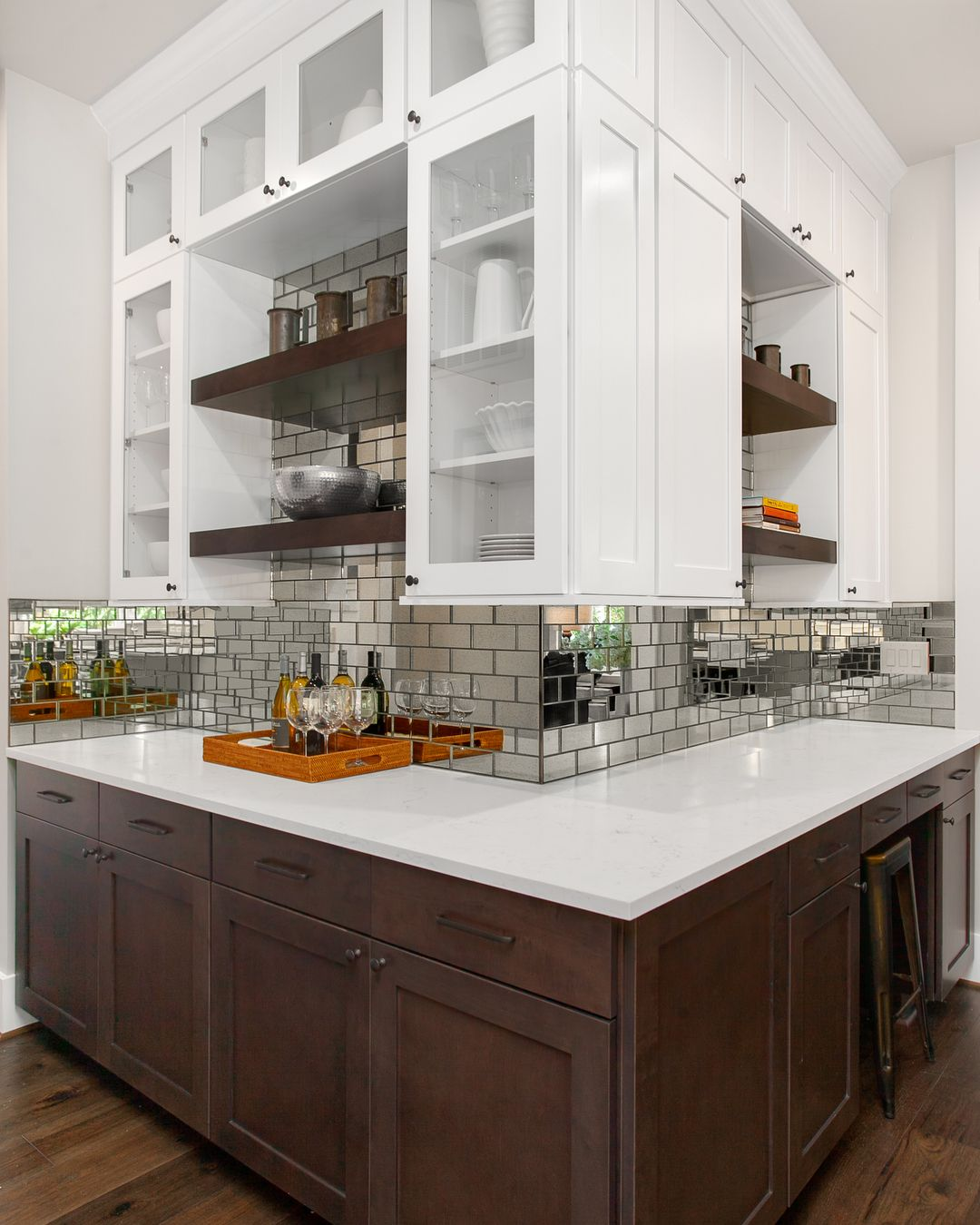 - Adding Some Spice To The Butler's Pantry. Mirrored Backsplash