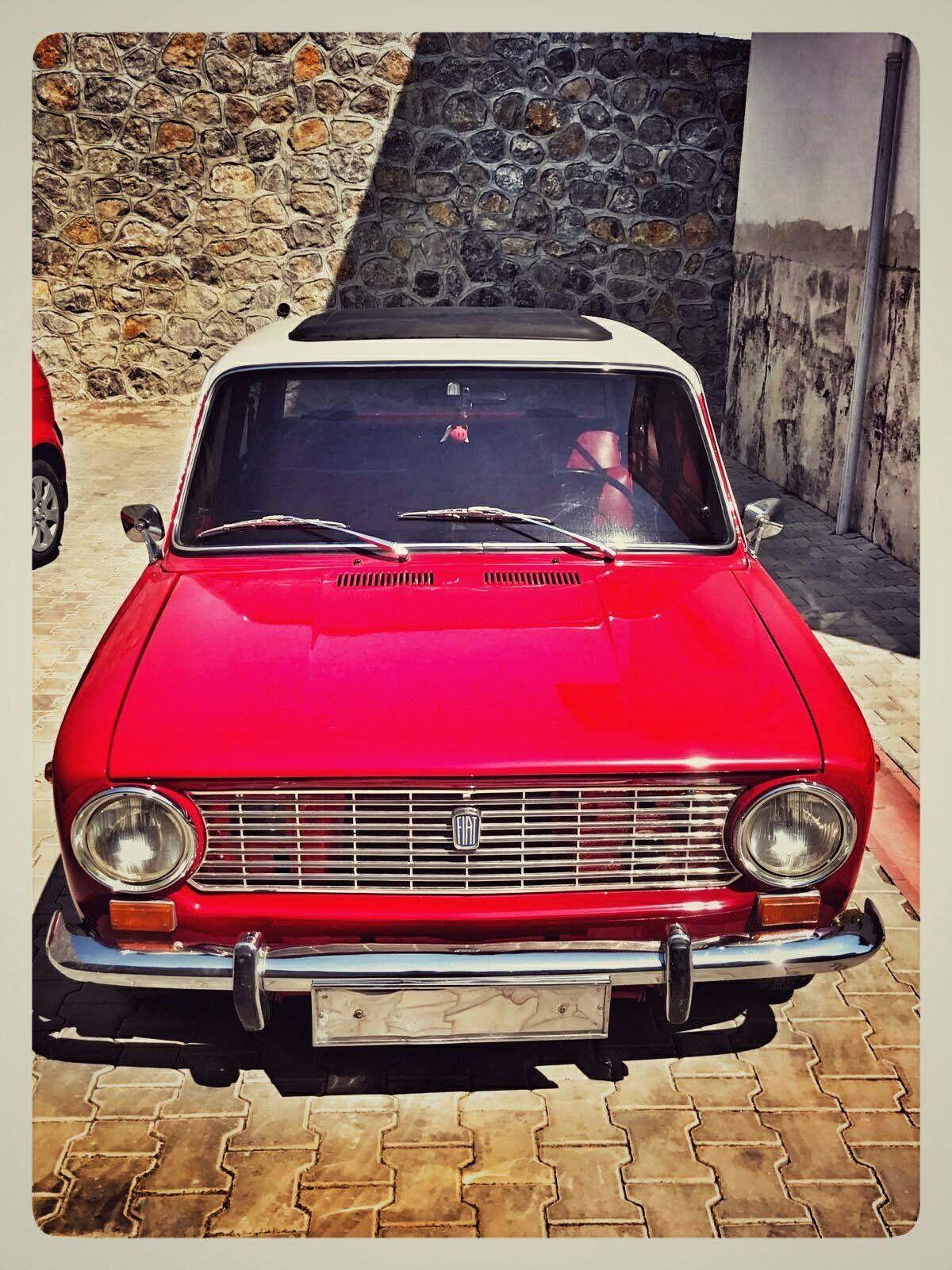 ボード「Vintage Cars」のピン