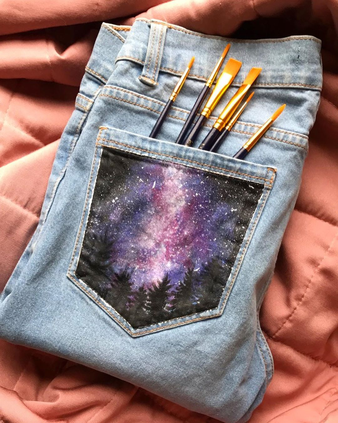 "Maddie 🌻🤵 on Instagram: ""Pocket paint 💫🎨 Starry sky denim jeans pocket painting ♥️ - Fc: 3723 - Using Crawford and Black acrylics on @zara jeans . . . #art #artsy…"""