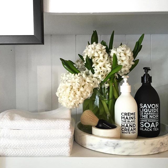 Fresh Bathroom & Modern Powder Room Reveal,  #Bathroom #Fresh #marblebathroomdecorinspiration…