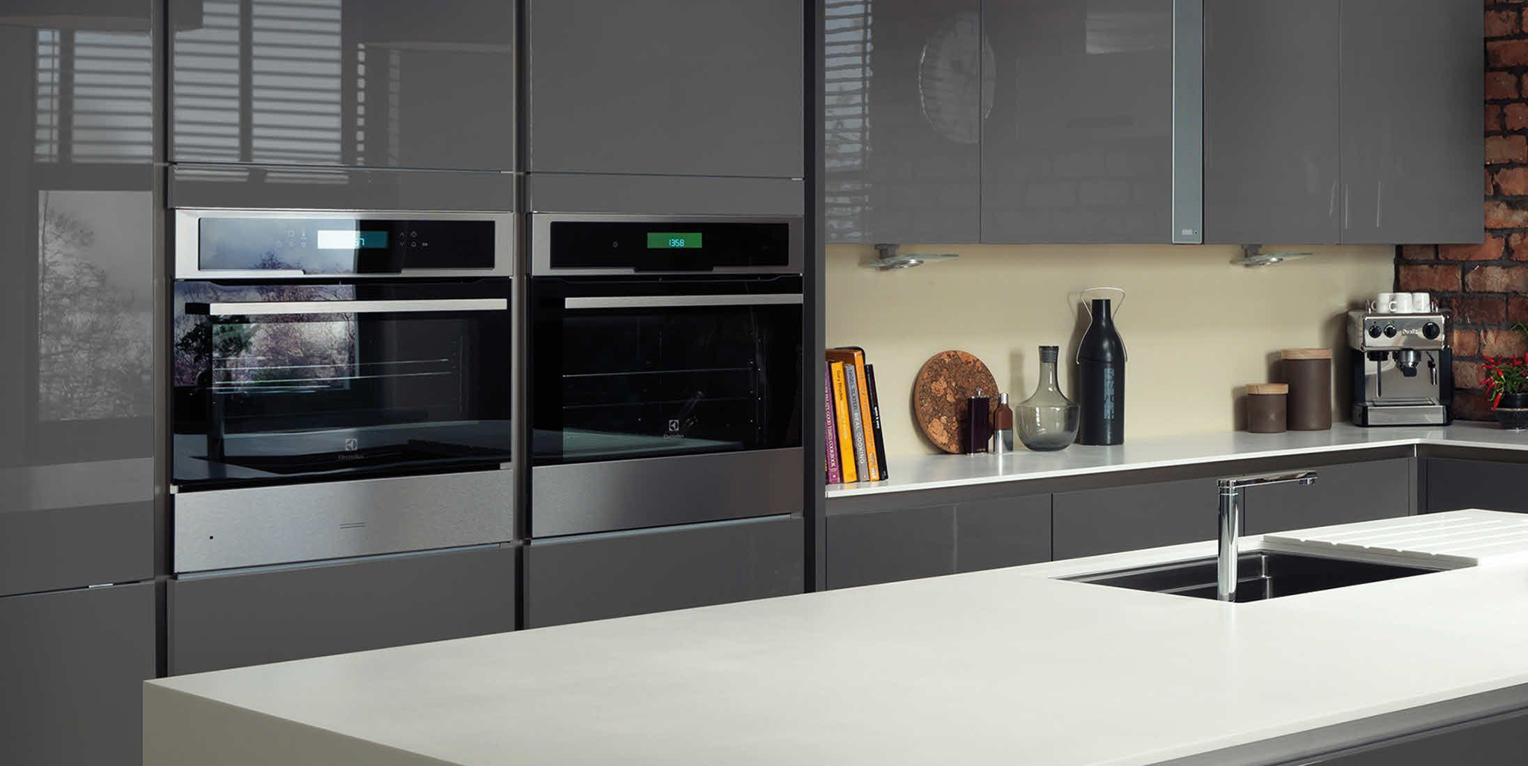 Magnet Integra grey with island with recessed black sink | Kitchen ...