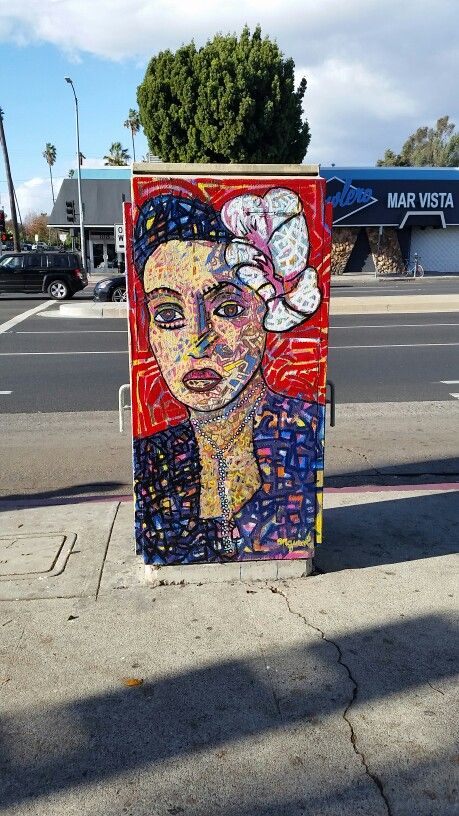 Unknown Famous Streetartist Leaves This Piece On An Electrical Box On The Corner Of Venice Blvd Grand View B Los Angeles Neighborhoods Mar Vista Los Angeles