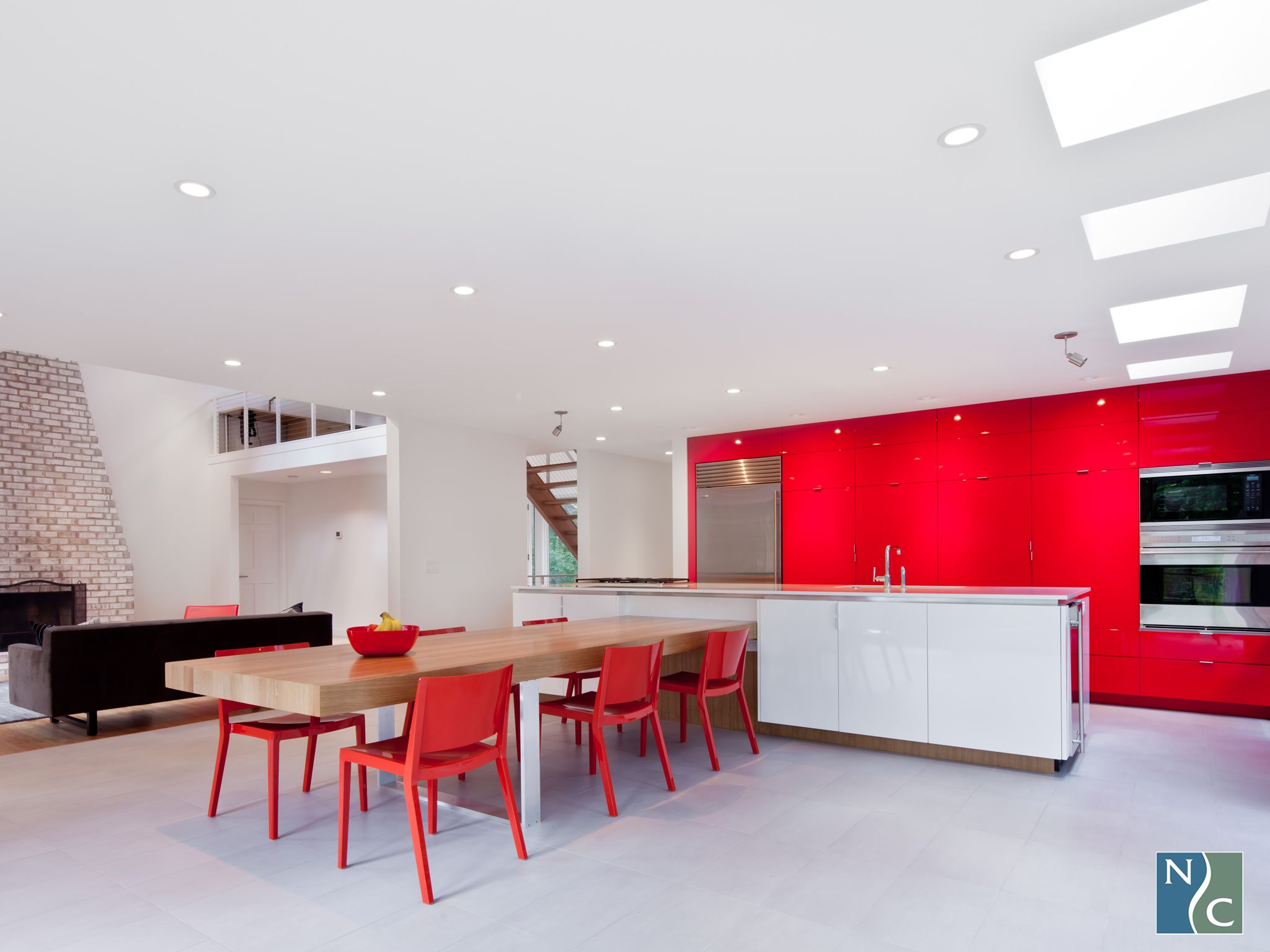 Red And White High Gloss 3d Laminate Really Make A Statement In This Modern Space Easy Kitchen Renovations Top Kitchen Designs Small Kitchen Tables