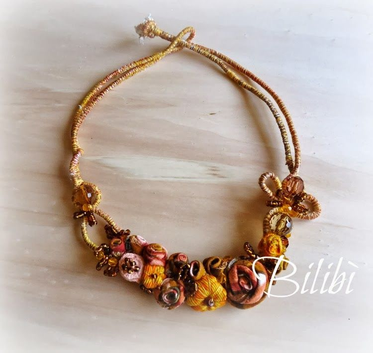 Bilibì: necklace textile