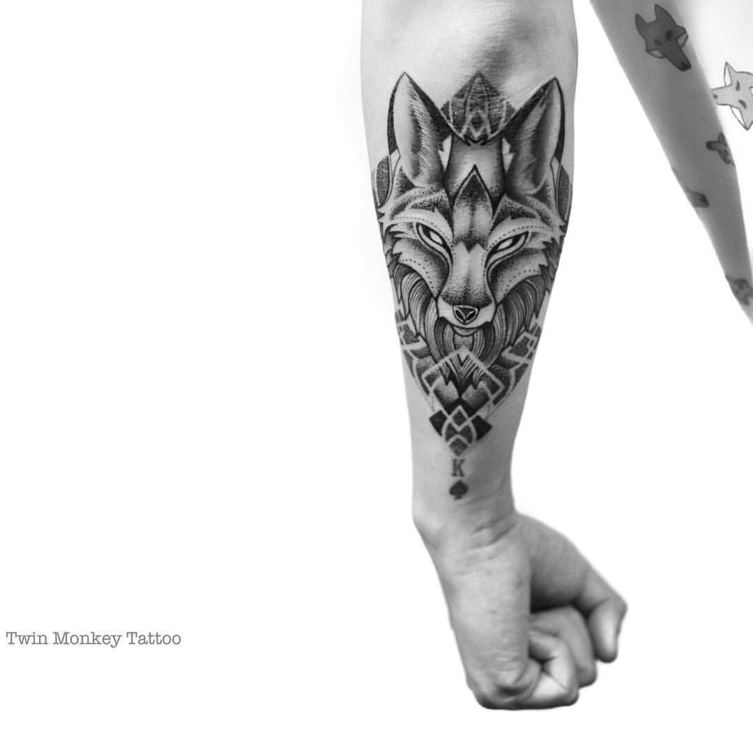 Twinmonkeytattoo Fox Tattoo Art Black Grey Tatuagem De Raposa Tatuagem Masculina Antebraco Tatuagens Para Braco De Mulher