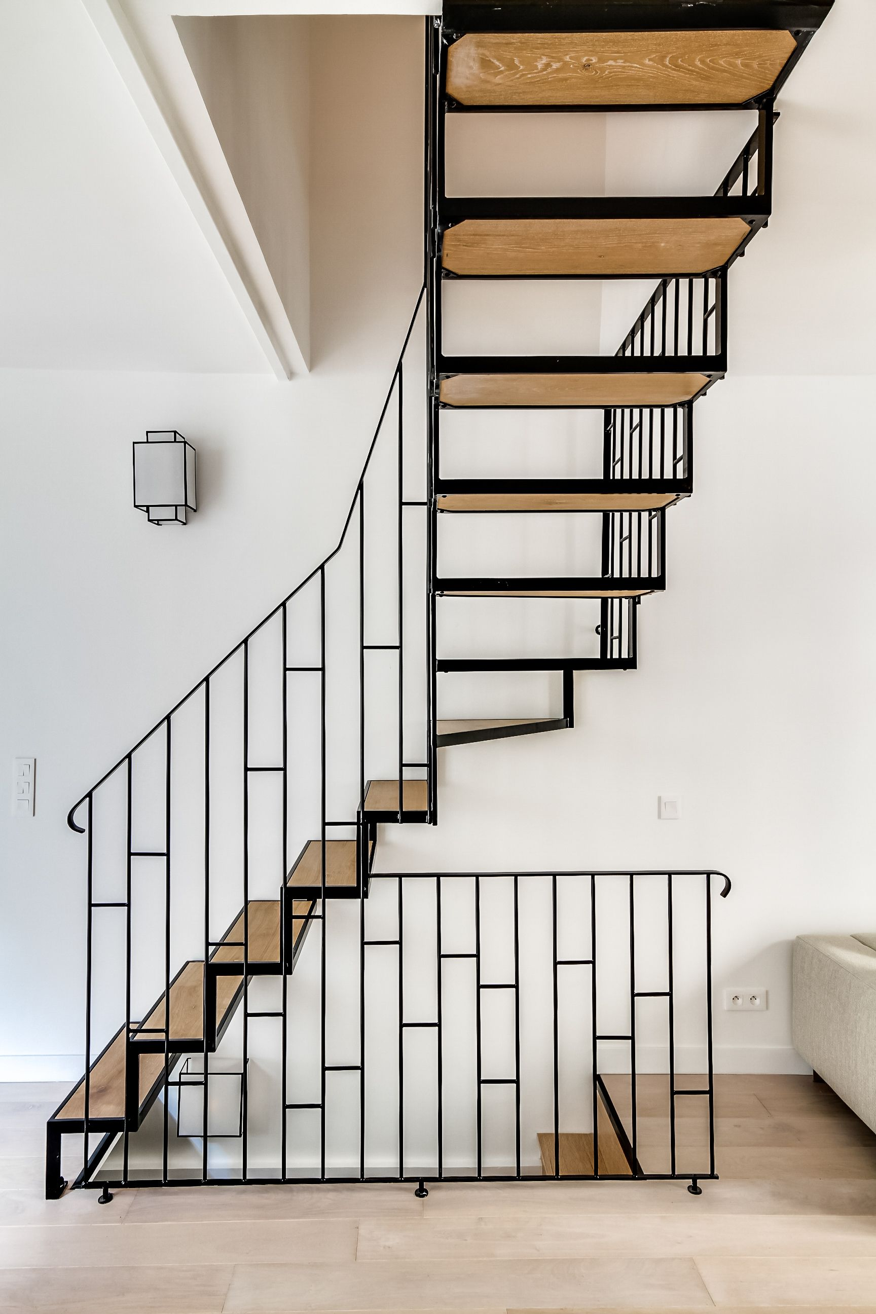 escalier bois fer montmartre escalier en 2019 escalier bois rampe escalier et escaliers maison. Black Bedroom Furniture Sets. Home Design Ideas