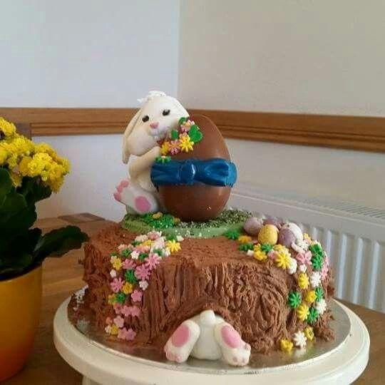 One of my favourite cakes I've made to date. Just love the cheeky smile on this little fondant bunny.