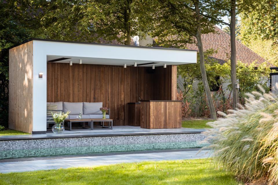 Modern Pool House In Wood And White Render Schoten En 2020 Maison Piscine Moderne Pergola Dans Le Jardin Piscines Modernes