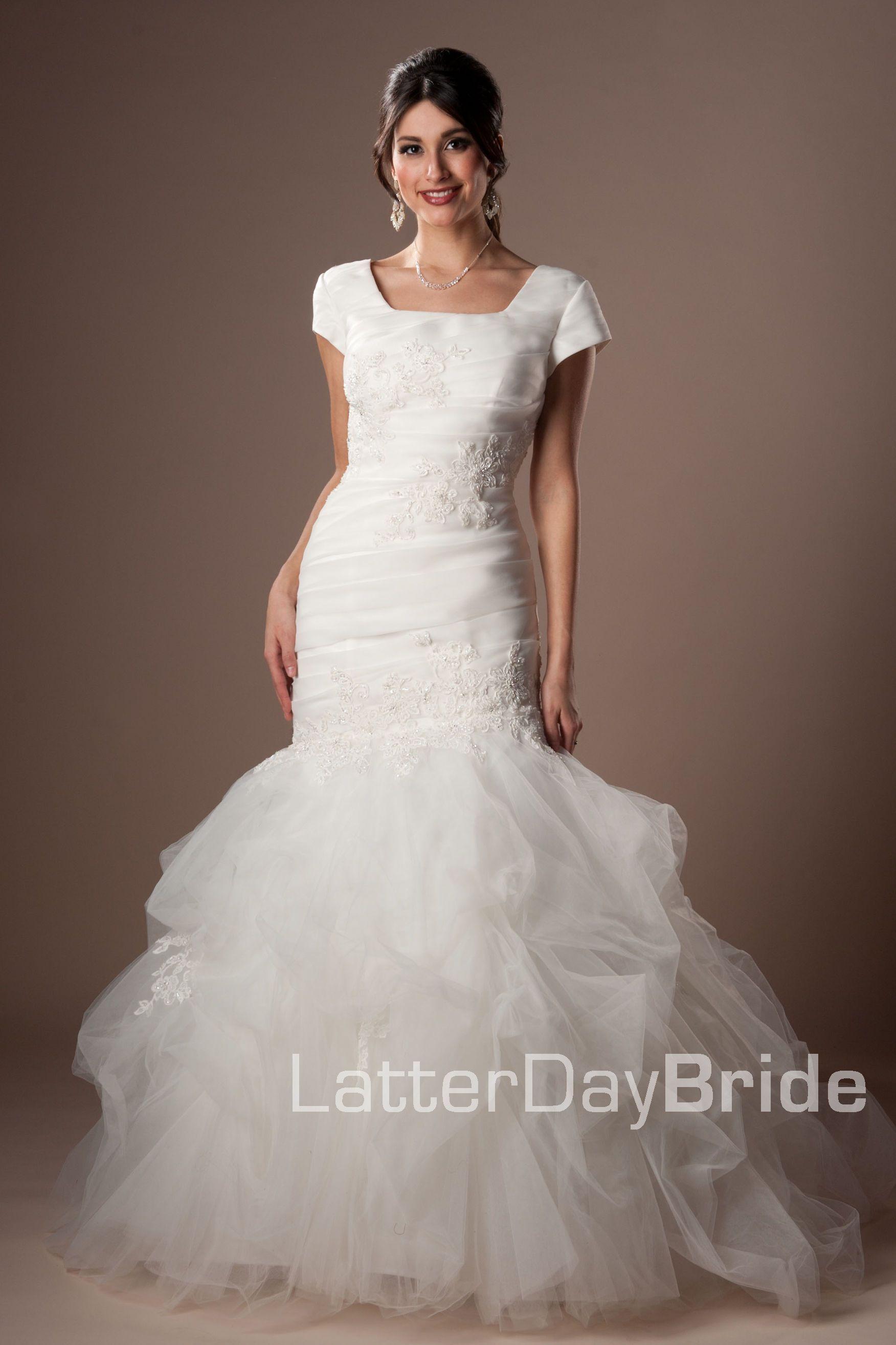 So Pretty Womens Wedding Dresses Modest Bridal Gowns Modest Wedding Dresses With Sleeves [ 2628 x 1752 Pixel ]