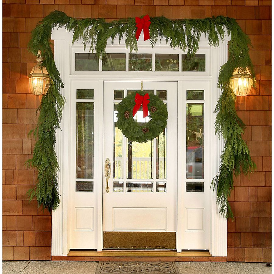 Lowes Christmas Garland.Shop 20 Ft Fresh Cedar Christmas Garland At Lowes Com