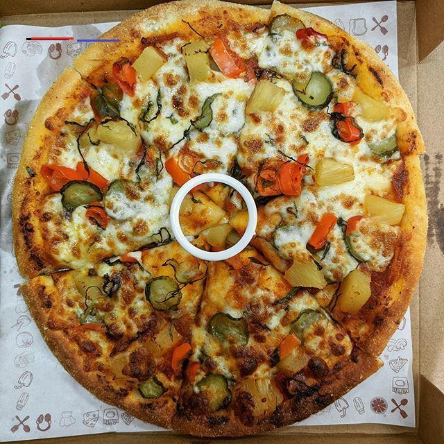 Hawaiian Fantasy Pizza From @cheelizza.pizza  #pizza #foodpath #foodpathtv #shotonpixel #teampixel #pixel2 #pixel2xl #food #foodporn #foods #foodblogger #yummyfood #foodstagram #foodphotography #foodoftheday #foodlover #mumbaifoodlovers #mumbaifoodie #mumbaifood  #nofilter #FoodTalkIndia  #FoodmaniacIndia #FoodbossIndia  #Desifood  #IndianFoodblogger #MumbaiFoodlovers #FoodOfMumbai<br>