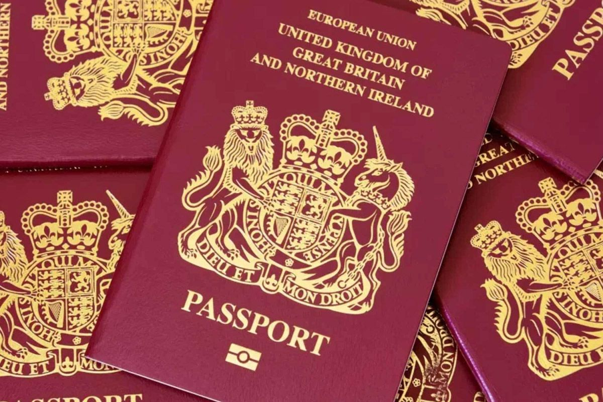 BACKLOG OF OVER 400,000 UK PASSPORTS! The Leader