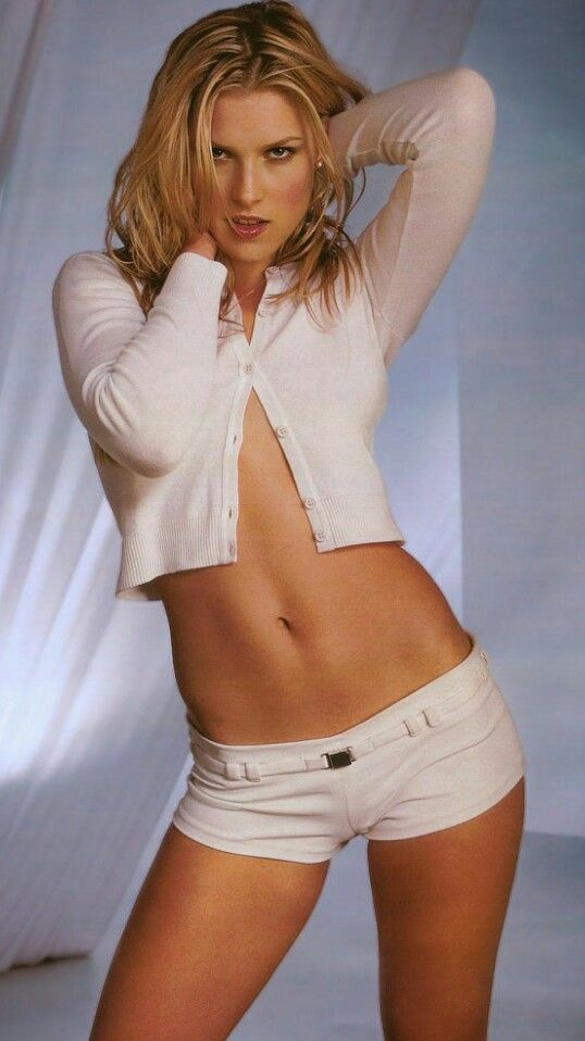 Naked Pictures Of Ali Larter