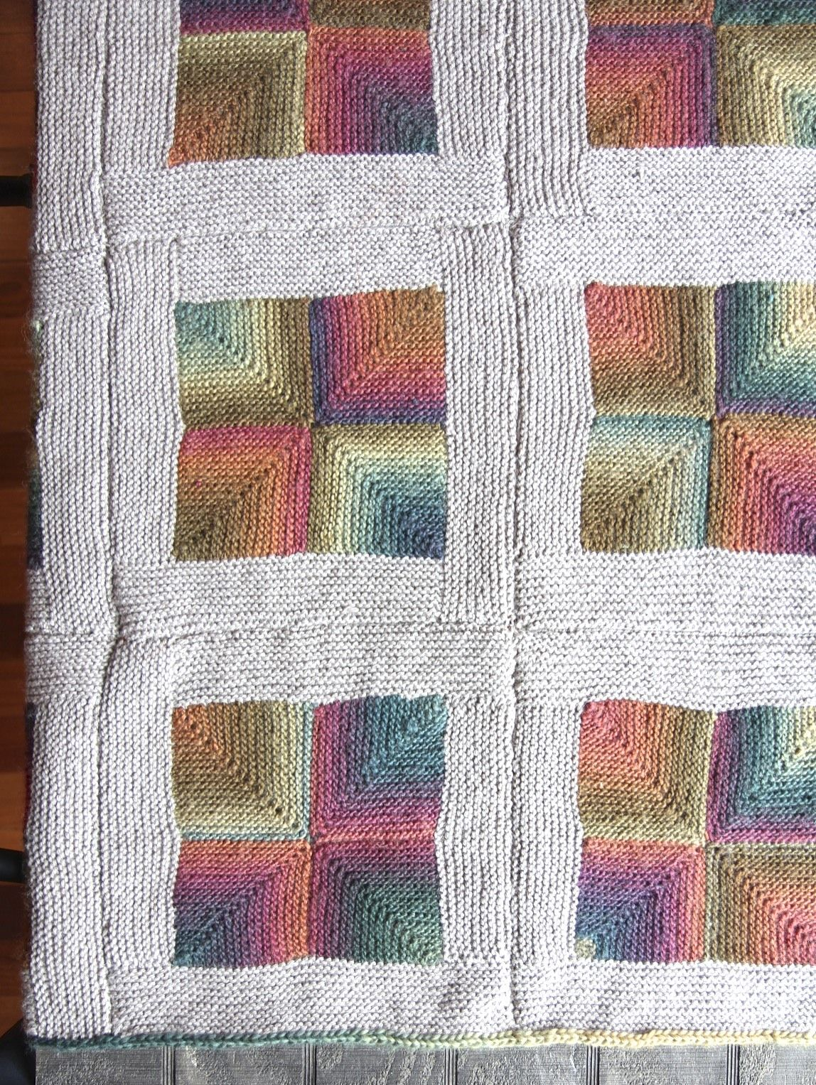 This mitered square blanket looks like a nightmare to sew ...