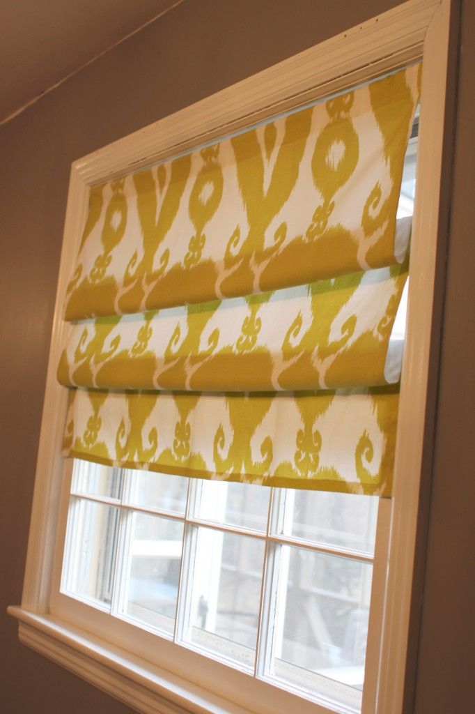 Tutorial roman shades using fabric glue and tension rods for Fabric shades for kitchen windows