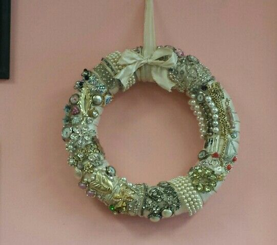 Wreath out of old jewelry