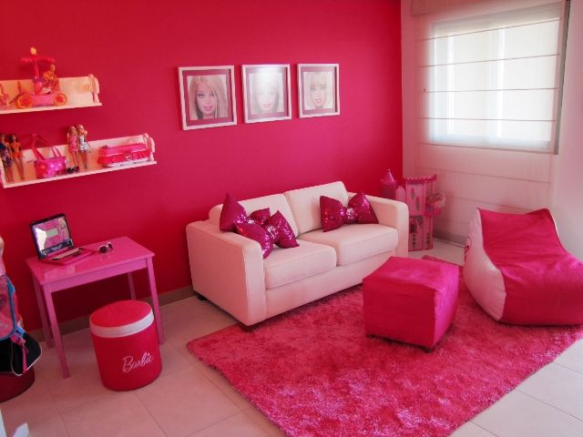BARBIE.LIVING ROOM