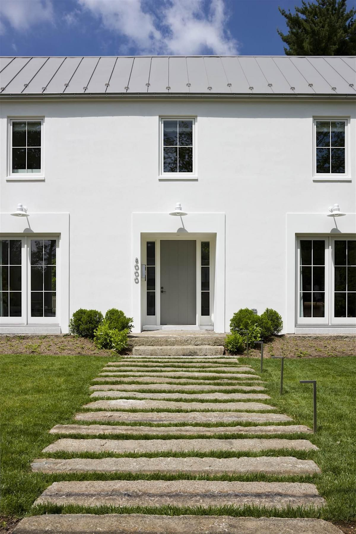 Anne Decker Architects Selected Works Featured Modern Farmhouse Colonial Exterior Colonial House Exteriors Farmhouse Exterior