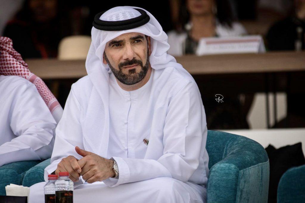 اليحيائي الشراع أحدثت زخما كبيرا قبل ان تبدأ وأصبحت الضلع الرابع لبطولات الإمارات الدولية الكبرى In 2020 Arabian Horse Chef Jackets