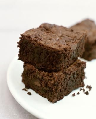 Replace Egg/Oil with 1/2 cup of FF Greek Yogurt - using Ghiradelli Brownie mix - results in 4pt brownies!