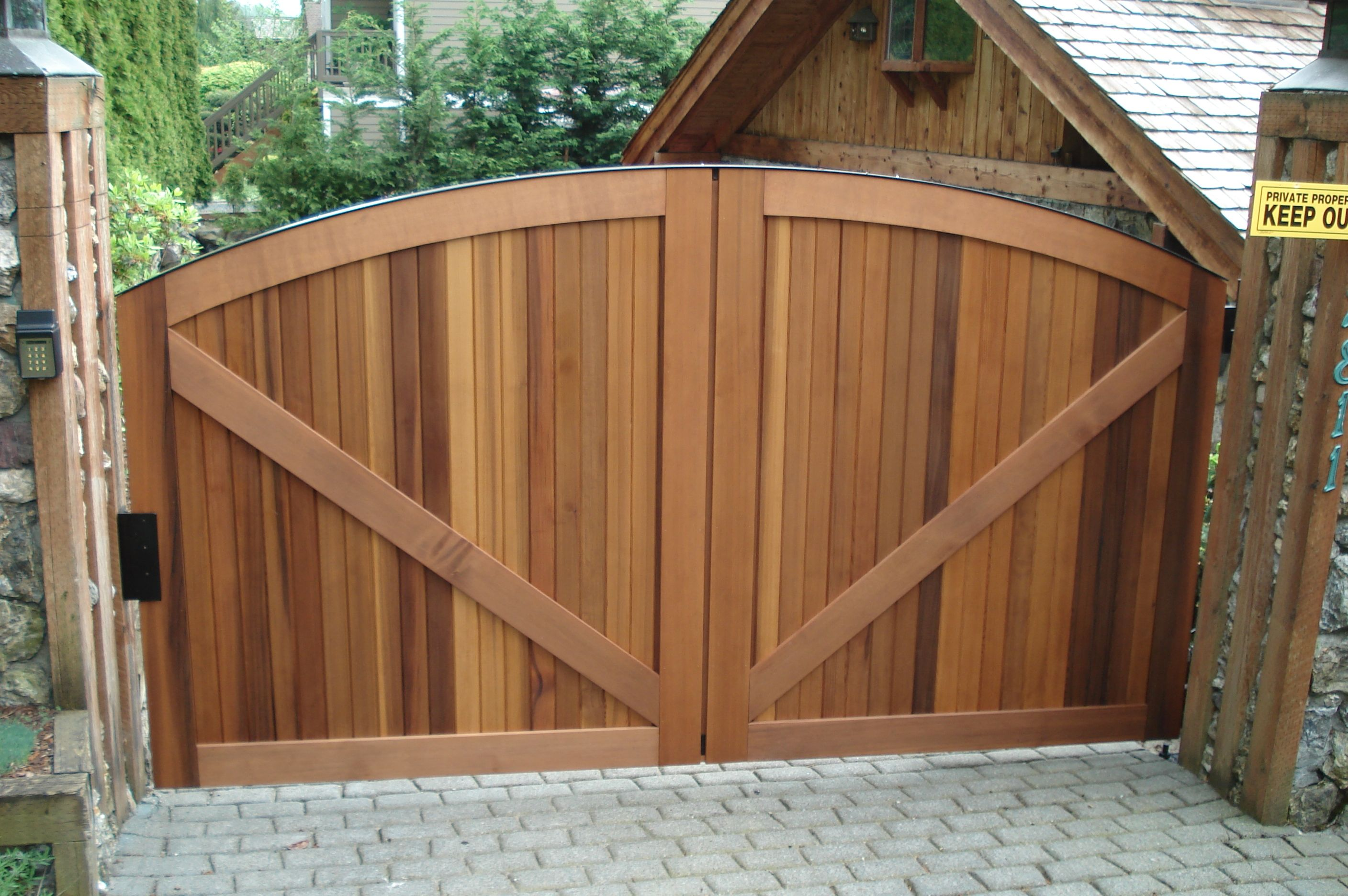 Don T Let This Wood Gate Fool You It S Actually A Single Swing Gate That Gives The Illusion Of A Double Swing Gate Rustic Doors Rustic House Rustic Farmhouse