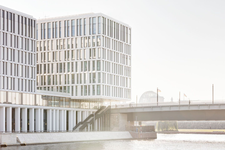 Der geplante sieben- bzw. achtgeschossige Neubau am Humboldthafen ...