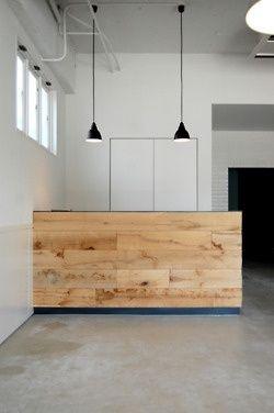 Simple Wood Facade For Reception Desk Design Schreibtisch