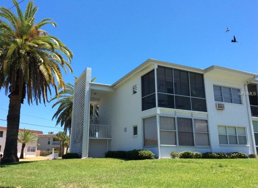301 87th Ave Apt 303 St Pete Beach Fl 33706 Zillow Condos In