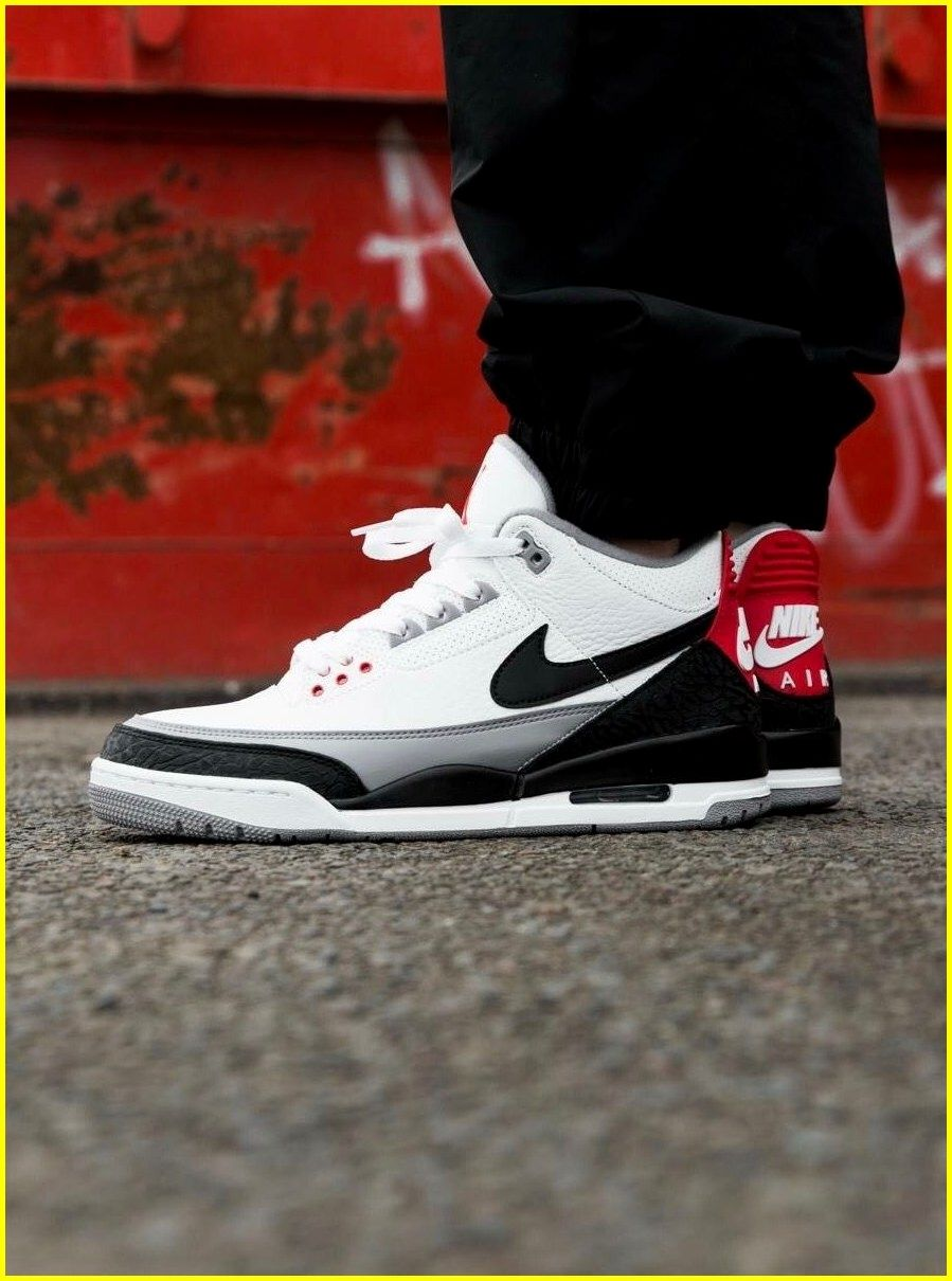 finest selection a8fd4 c9ecd Are you looking for more information on sneakers  In that case just click  here for