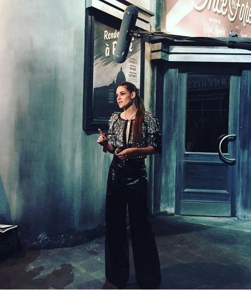 """steffymagtwifans: """" """"glamouritalia: Kristen Stewart è la protagonista del nuovo cortometraggio di Karl Lagerfeld per Chanel @chanelofficial #Metiersdart #ParisInRome #chanel """" """""""