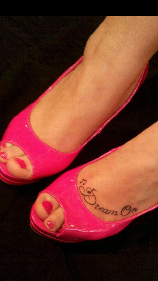 Love this cute little tattoo!!