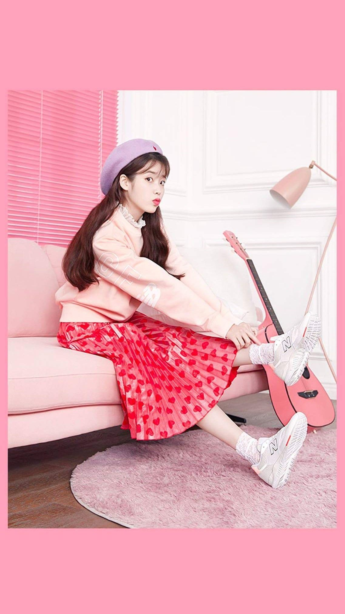 IU wallpaper newbalance 한국 스타일, 아시아 패션, 뉴발란스