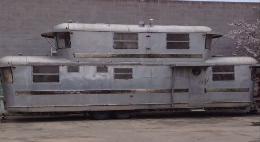 Innovative TWO STORY MOTORHOME  Flickr  Photo Sharing