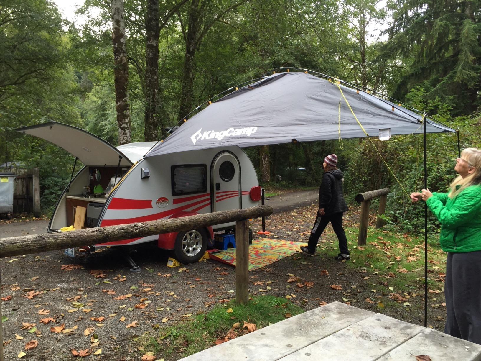 Amazon Com Kingcamp Compass Auto Shade Rip Stop Waterproof 1500mm Seam Taping Multifunctional Uses Suv Shade Sports Outdoo Suv Tent Car Shade Tent