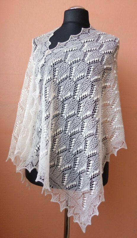 Hand knitted natural white Haapsalu shawl, traditional Estonian lace ...