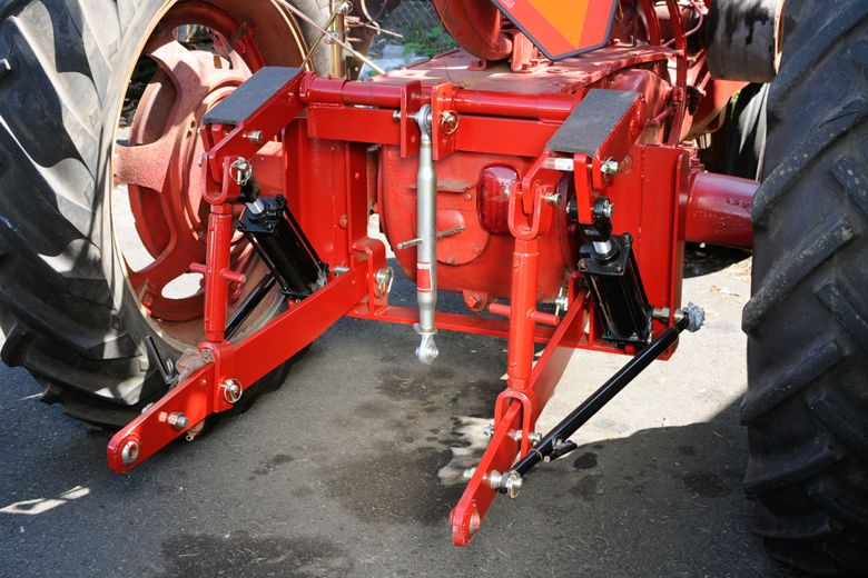 3 Point Hitch Adapter  H, M, Supers (H, M, MTA) 300, 350, 400, 450 | International Harvester