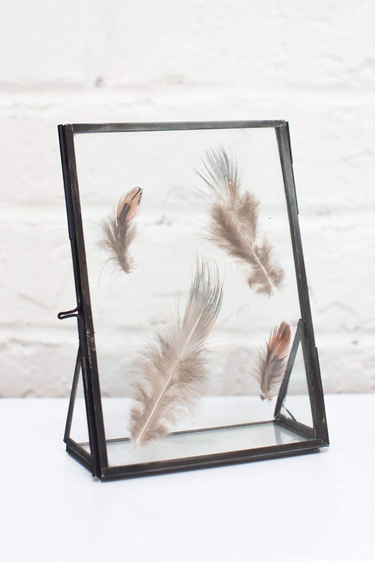 Standing Metal Double Glass Frame 5\